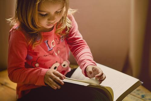 Leitura contribui para aprendizagem e diminui o stress