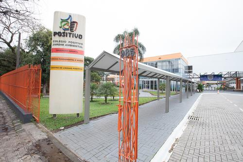 Positivo oferece bolsas de estudo para Ensino Médio em Curitiba