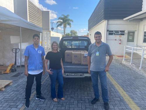 Secretaria de Saúde de Pinhais recebe doação de álcool gel