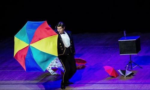 Show de mágica e ilusionismo abre programação de fevereiro no Shopping Estação