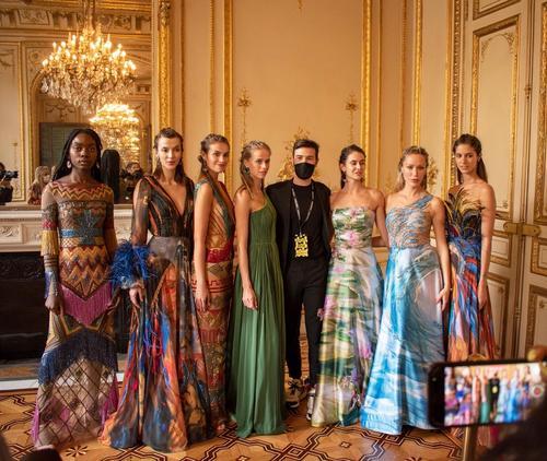 Designer de moda curitibano apresenta coleção na Paris Fashion Week