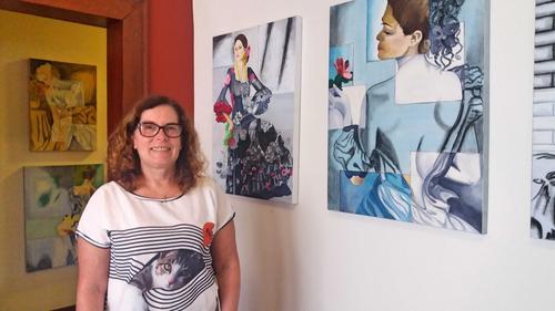 Artista Bia Ferreira, inaugura exposição na Kaiut Yoga