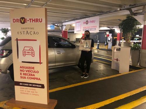 Lojas do Shopping Estação estão atendendo de forma online e entregando por drive-thru