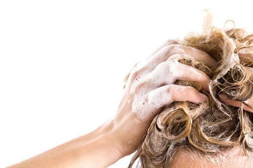 Calvície: queda de cabelo tem solução