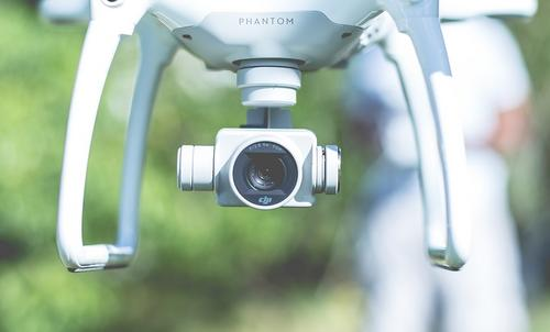 Escola de desenvolvimento pessoal oferece aula de drones gratuita nesta sexta-feira (26)