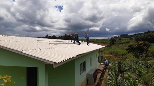 Sistema de Transmissão Gralha Azul doa painéis fotovoltaicos para comunidade quilombola de Rio do Meio