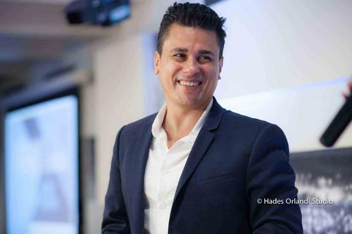AMANHÃ: Teatro Positivo recebe nesta terça-feira heads da Amazon, Google, LinkedIn e CHRO Ebanx
