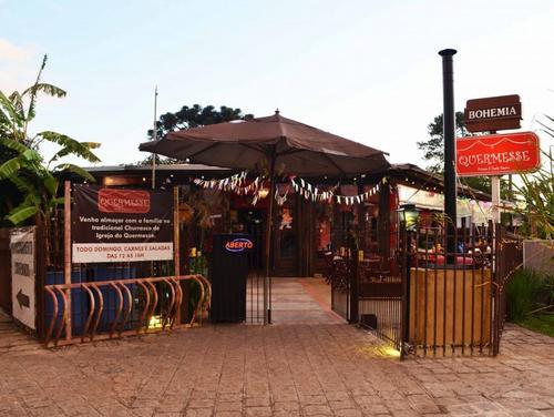 7 bares com inspirações e referências em Curitiba