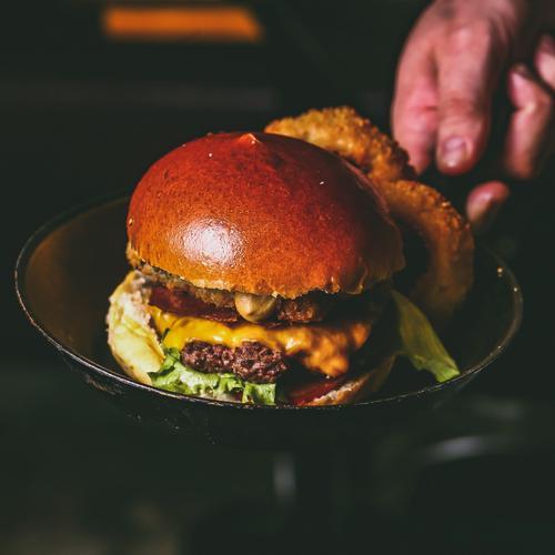 Dia dos Namorados no Chelsea terá burger em dobro para os casais
