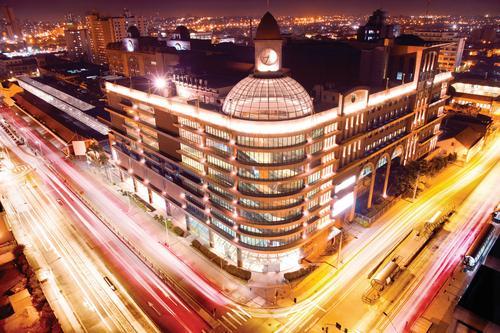 Shoppings Curitiba e Estação funcionam em novo horário