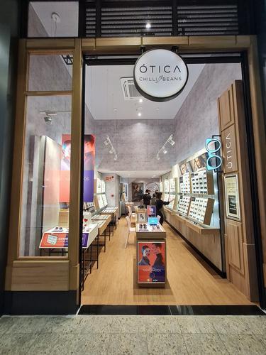 Maior rede especializada em óculos da América Latina inaugura ótica em shopping de Curitiba