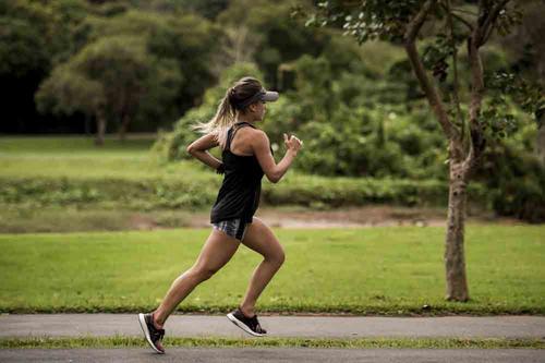 Corrida Noturna será uma das atrações da Curitiba Fitness Fair no Expo Barigui