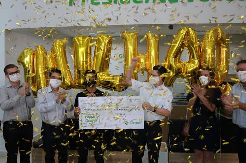 Campanha do Sicredi premia associado de Presidente Venceslau (SP) com R$ 1 milhão
