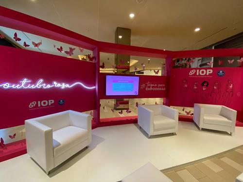 Instituto de Oncologia do Paraná realiza talk shows sobre câncer de mama em comemoração ao Outubro Rosa