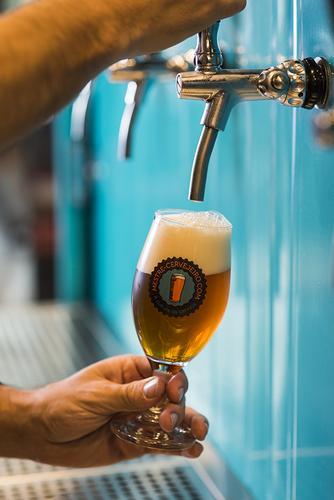 Mestre-Cervejeiro.com inaugura nova loja no Mercês com chope de graça