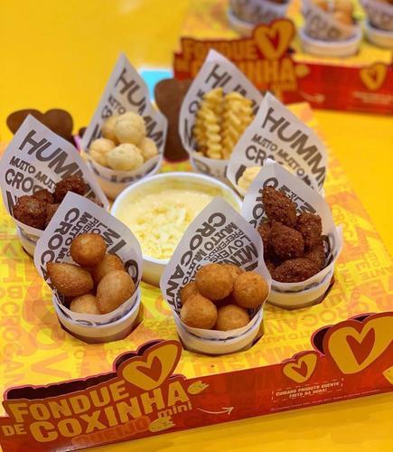 Coxinha lovers lança fondue de queijo com mini salgadinhos