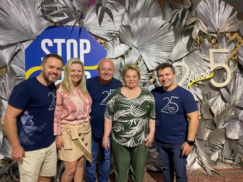 Stop Shop completa 25 anos com uma bela festa