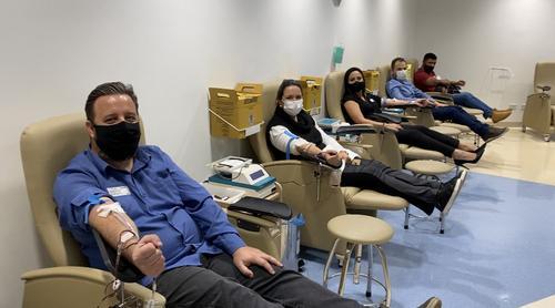Com estoque 40% abaixo no Hemepar, empresa de home care estimula colaboradores a doarem sangue