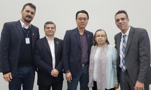 Empresários curitibanos se reúnem para palestra sobre o mercado imobiliário no Secovi-PR