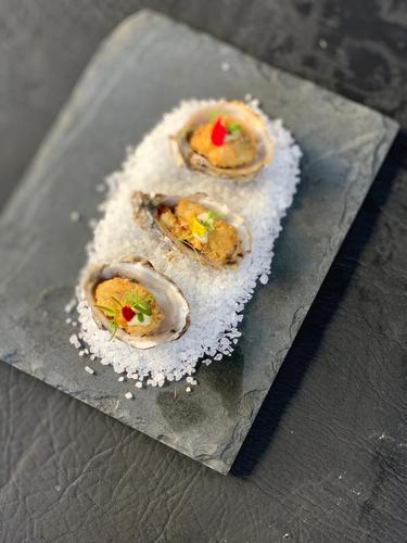 Gastronight promove jantar com a chef Claudia Krauspenhar e a influencer Dani Machado