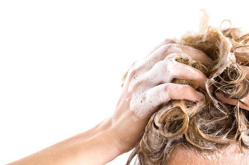 Como lavar os cabelos corretamente
