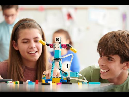 LEGO® Education lança no Brasil o SPIKE Prime
