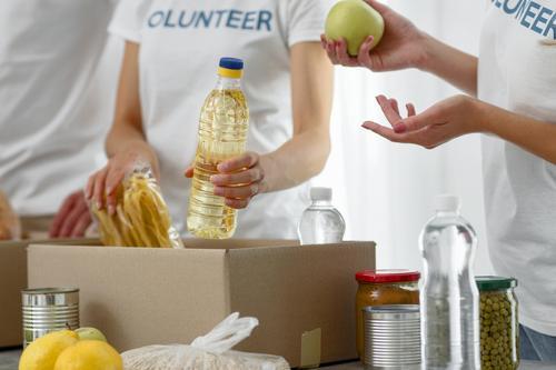 Shopping é ponto de arrecadação de roupas, alimentos e produtos de higiene e limpeza para doação