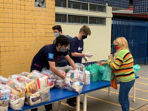 Estudantes do Ensino Médio desenvolvem ações para apoiar famílias de Paiçandu